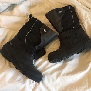Tundra kids boots